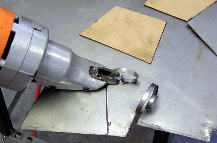 electric-metal-cutter