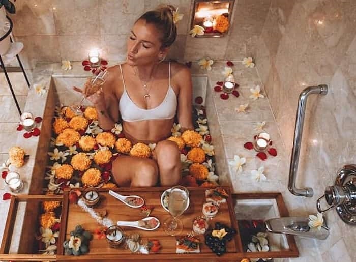 aromatherapy-in-bath