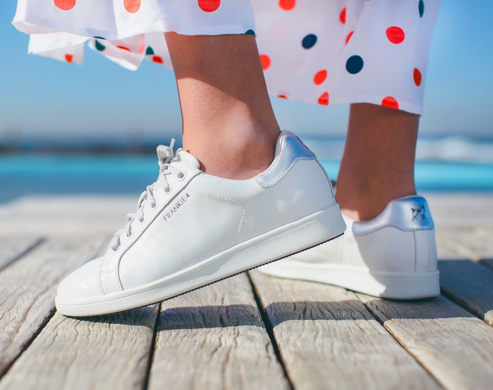 Women wearing Walking Shoes Frankie 4 White