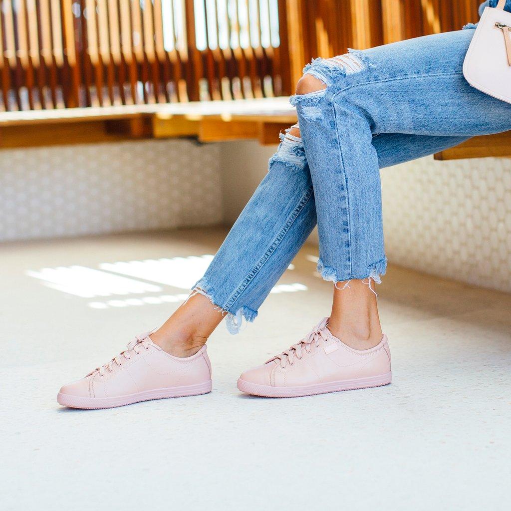 girl wearing pink Walking Shoes