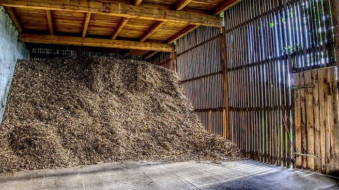 storing mulch