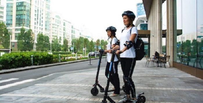 Ridding Commuter Scooter