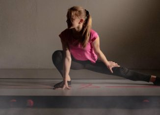girl using Airtrack
