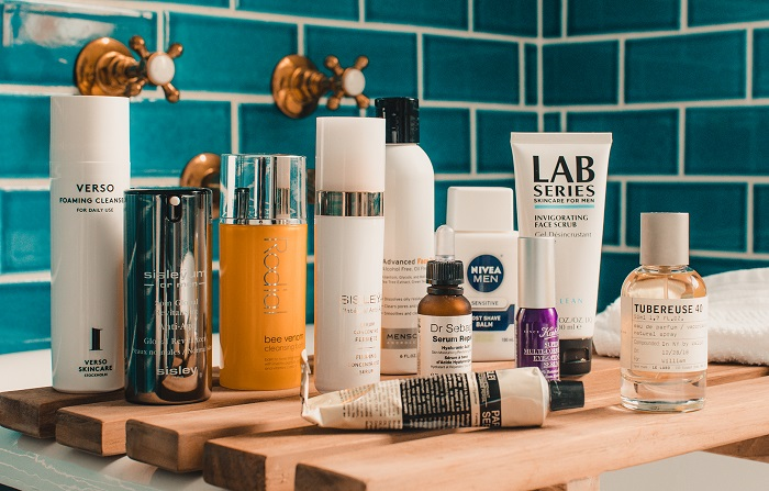 close up picture of men skincare products
