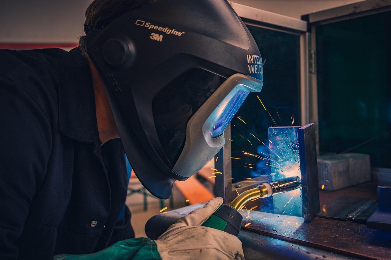 mig welding welder working