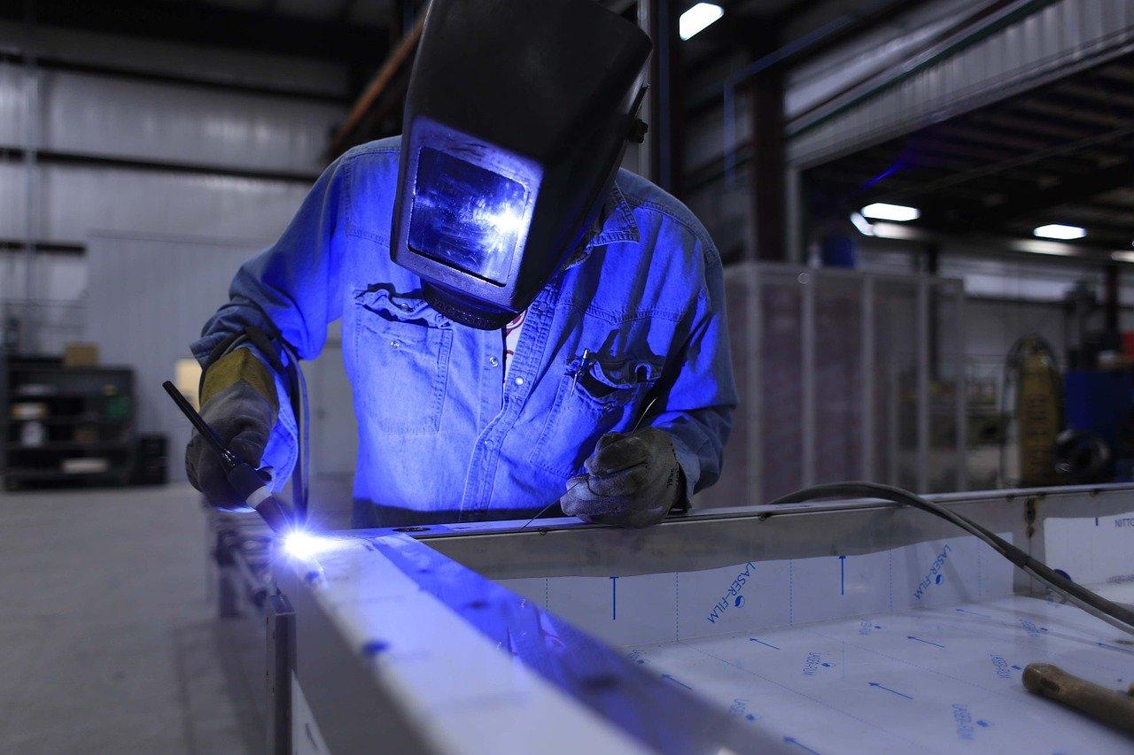 welder work on a workbench