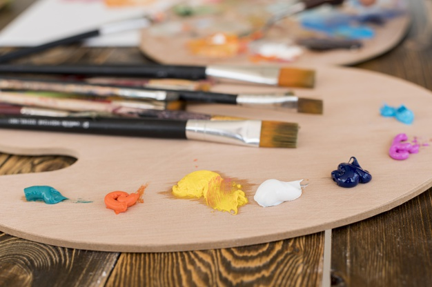 paint-brushes-with-palette_