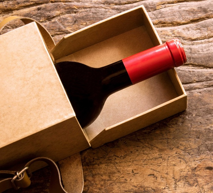 box with red wine as gift