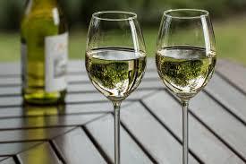 white wine types glasses