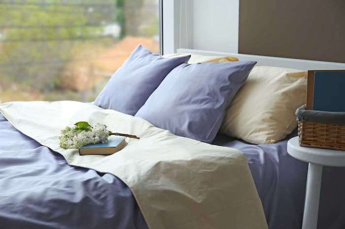 It may surprise you to learn that your bed linens and pillowcases are crucial to a good night's sleep. Of course, your mattress, your overall health condition and the diet you practise, your daily activities, and many other factors all contribute to the quality of your sleep. It might be time to check your linen options and find the best bedding for restful sleep.